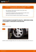Come cambiare cuscinetto ruota della parte posteriore su Mercedes W168 diesel - Guida alla sostituzione