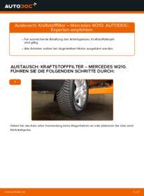 Wie der Wechsel durchführt wird: Kraftstofffilter E 300 3.0 Turbo Diesel (210.025) Mercedes W210 tauschen