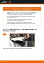 Cómo cambiar: discos de freno de la parte trasera - Mercedes W168   Guía de sustitución