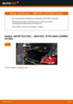 Kā nomainīt aizmugurē kreisais labais Stiklu Tīrītāja Sviru Un Stiepņu Sistēma VOLVO V50 - instrukcijas tiešsaistes