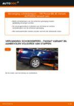 Hoe schokdempers achteraan vervangen bij een VW Passat 3C B6 Variant – vervangingshandleiding