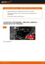 Slik bytter du støtdemper bak på en BMW E82 – veiledning