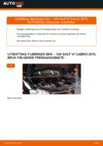 Slik bytter du fjærende ben fremme på en VW Golf VI Cabrio (517) – veiledning