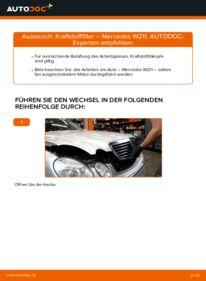 Wie der Wechsel durchführt wird: Kraftstofffilter E 220 CDI 2.2 (211.006) Mercedes W211 tauschen