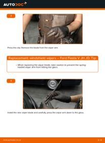 How to carry out replacement: Wiper Blades on 1.4 TDCi Ford Fiesta Mk5