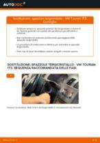 Come cambiare spazzole tergicristallo della parte anteriore su VW Touran 1T3 - Guida alla sostituzione