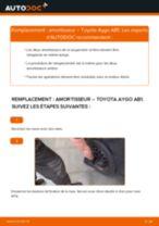 Comment changer : amortisseur arrière sur Toyota Aygo AB1 - Guide de remplacement