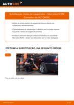 Como mudar molas de suspensão da parte traseira em Mercedes W210 - guia de substituição