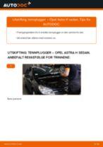 Slik bytter du tennplugger på en Opel Astra H sedan – veiledning