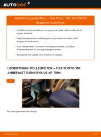Hvordan man udfører udskiftning af: Pollenfilter på 1.2 60 Fiat Punto 188