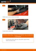 Jak vyměnit přední stírací lišty na Peugeot 107 PM PN – návod k výměně