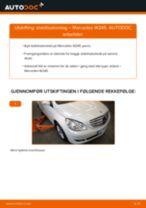 Slik bytter du stabilisatorstag fremme på en Mercedes W245 – veiledning