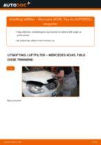 Slik bytter du luftfilter på en Mercedes W245 – veiledning