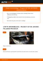 Byta bromsbelägg fram på Peugeot 307 SW – utbytesguide