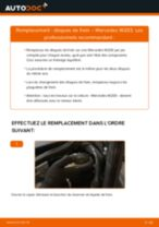 Comment changer : disques de frein arrière sur Mercedes W203 - Guide de remplacement