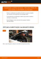 Como mudar pastilhas de travão da parte dianteira em Mercedes W203 - guia de substituição