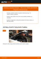Kaip pakeisti Mercedes W203 stabdžių trinkeliu: priekis - keitimo instrukcija