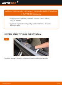 Kaip atlikti keitimą: E 220 CDI 2.2 (211.006) Mercedes W211 Veidrodelio Stikliukas