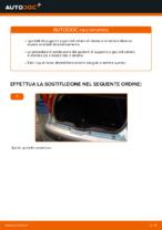 Come sostituire i puntelli di supporto a gas del cofano posteriore su FIAT PUNTO II (188)