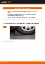 Come sostituire la barra stabilizzatrice posteriore su una TOYOTA RAV 4 II