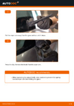 How to replace the rear wiper blades on RENAULT SCENIC II (JM)