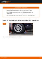 Hoe een koppelstang vooraan op een Ford Focus 2 DA vervangen