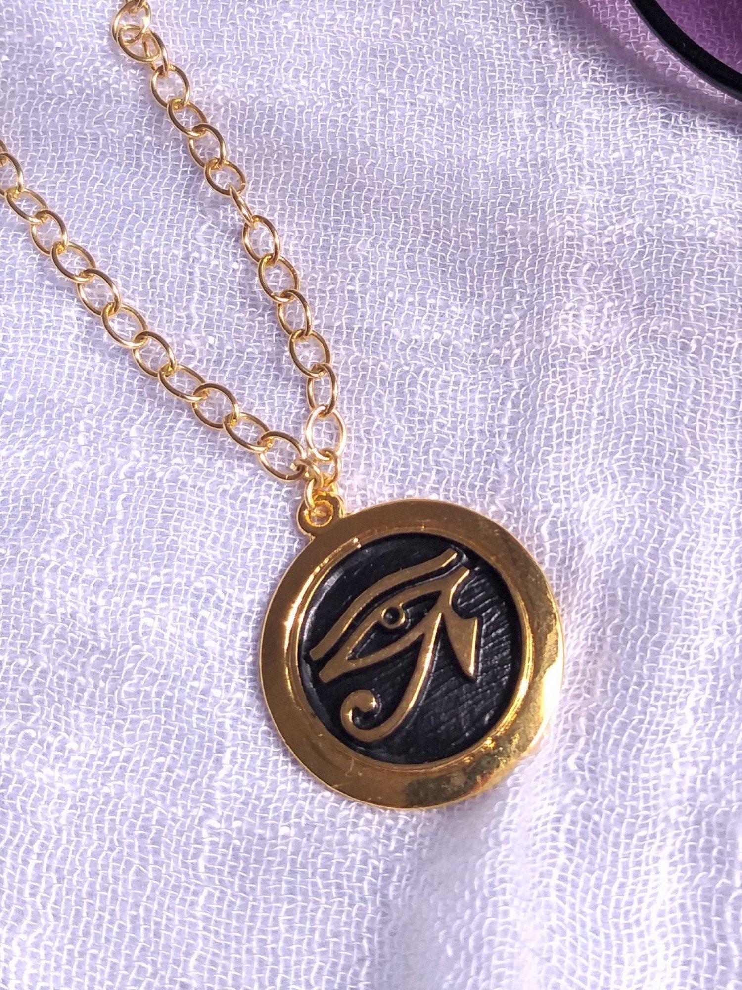 Colar Medio banho cor Ouro Medalha Vintage