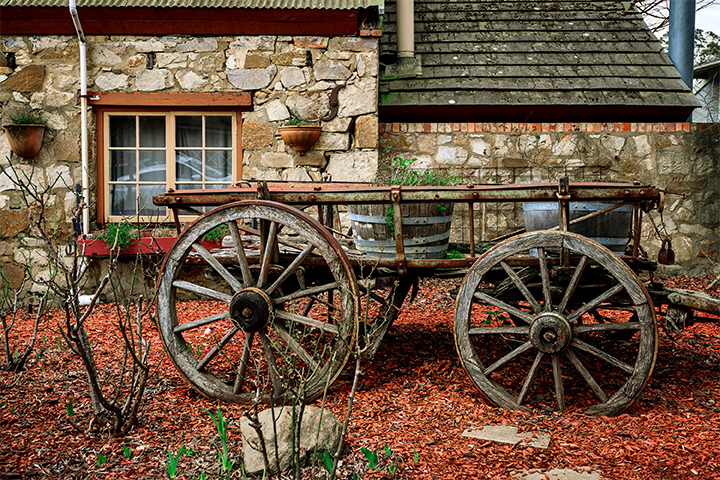 carriage outside a hahndorf cottage