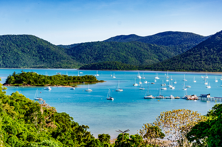airlie beach surrounds