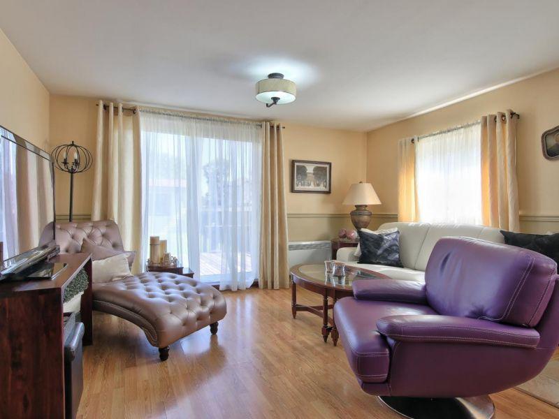 Salon, maison à vendre Laval