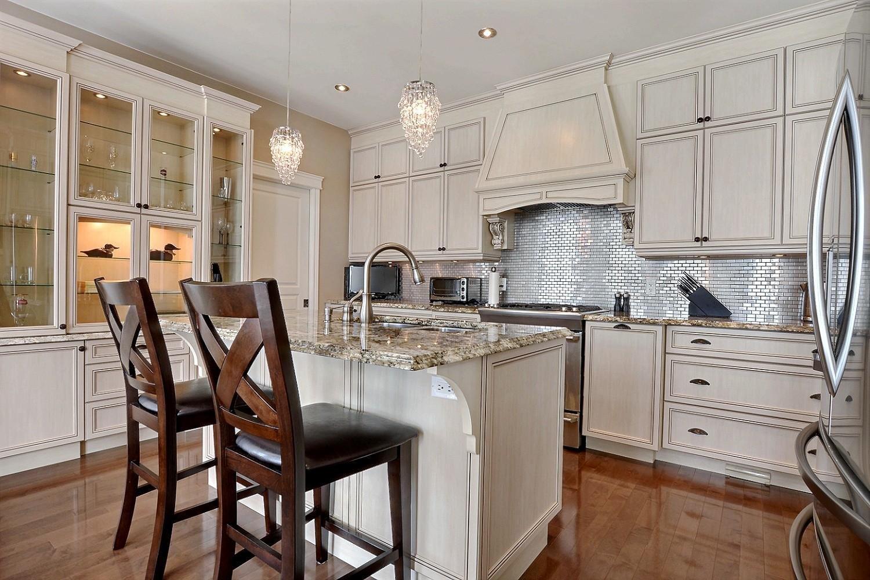 Cucina Soffitti Alti : Soffitti alti moderna cucina di lusso a pianta aperta questa