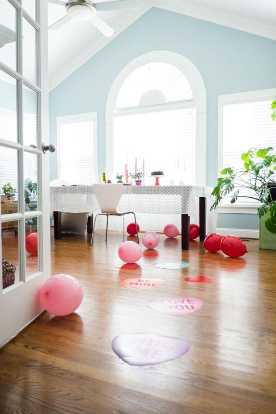 Salle à mangé décorée pour la Saint-Valentin
