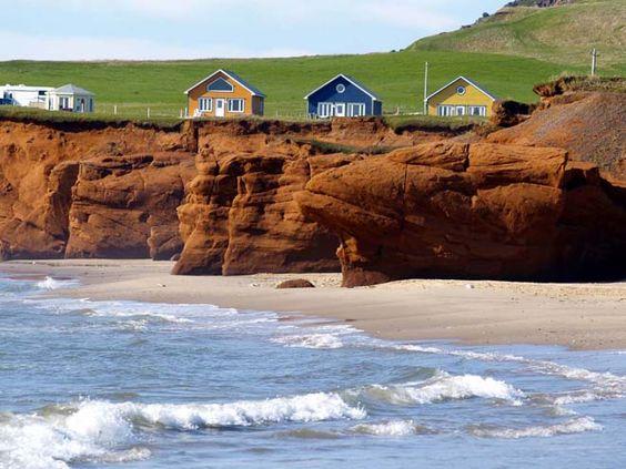 Maison sur le bord d'un litoral donnant sur le fleuve
