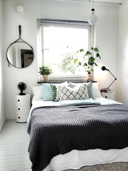 How to Arrange a Small Bedroom - Mirror, mirror