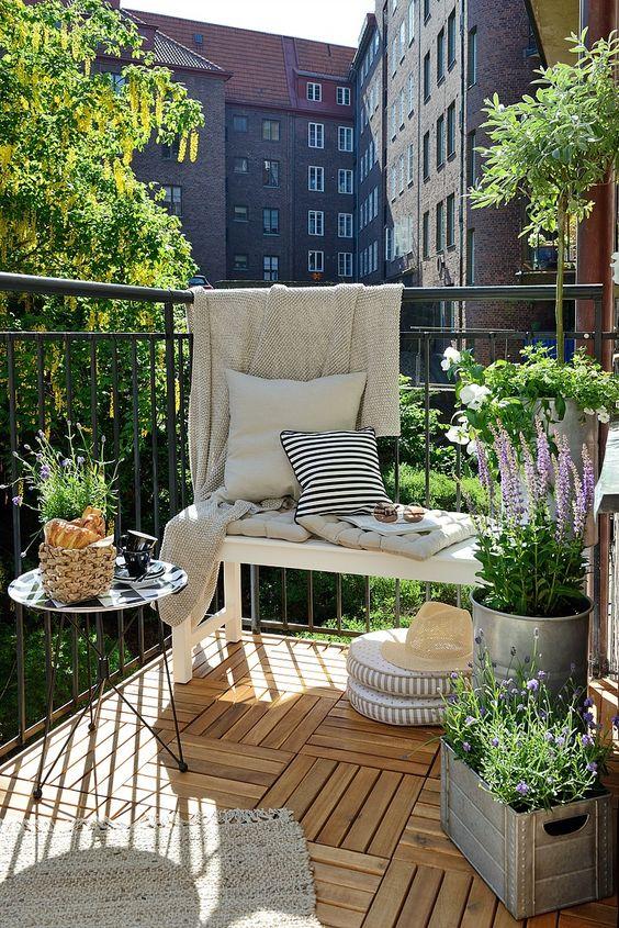 Terrasses et balcons : le temps est enfin arrivé pour en profiter! Êtes-vous prêt?