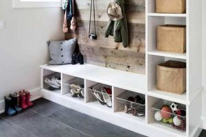 6 Tips for Organizing Your Entryway