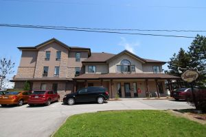 Commercial building of 31 rooms for sale in Repentigny: incredible potential and a price below the municipal evaluation!