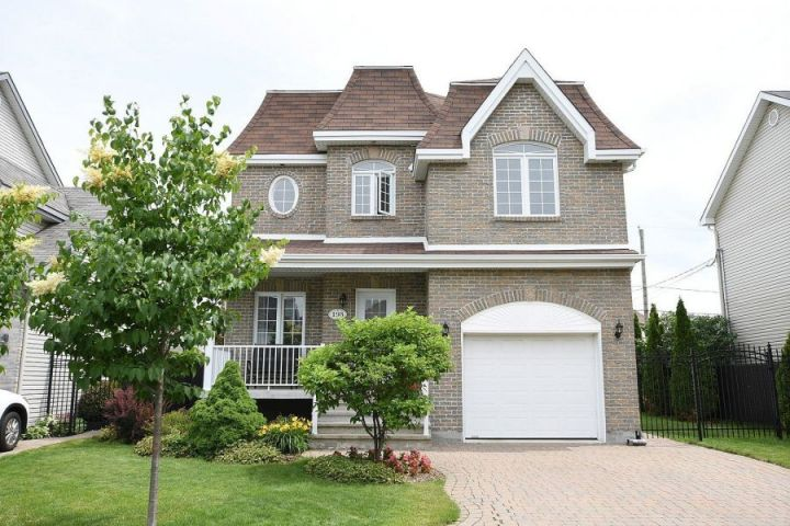 Looking for a House Spacious Enough for All the Members of Your Family? There She Is!