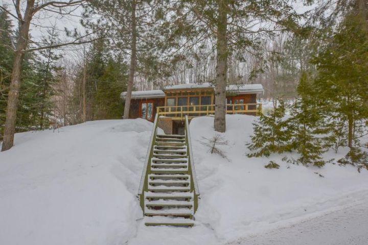 Charmante maison de plain-pied à Saint-Donat : acquérir une propriété à mini prix, c'est possible!