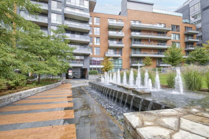 Solano Condo Unit, Phase Iv: The Joy of Living in the Heart of Old Montreal
