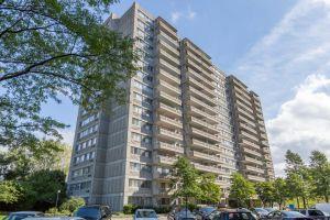 vistas panorámicas de la ciudad y cerca de todos los servicios: una unidad de condominio en venta en Saint-Laurent ciudad que no querrá perderse!