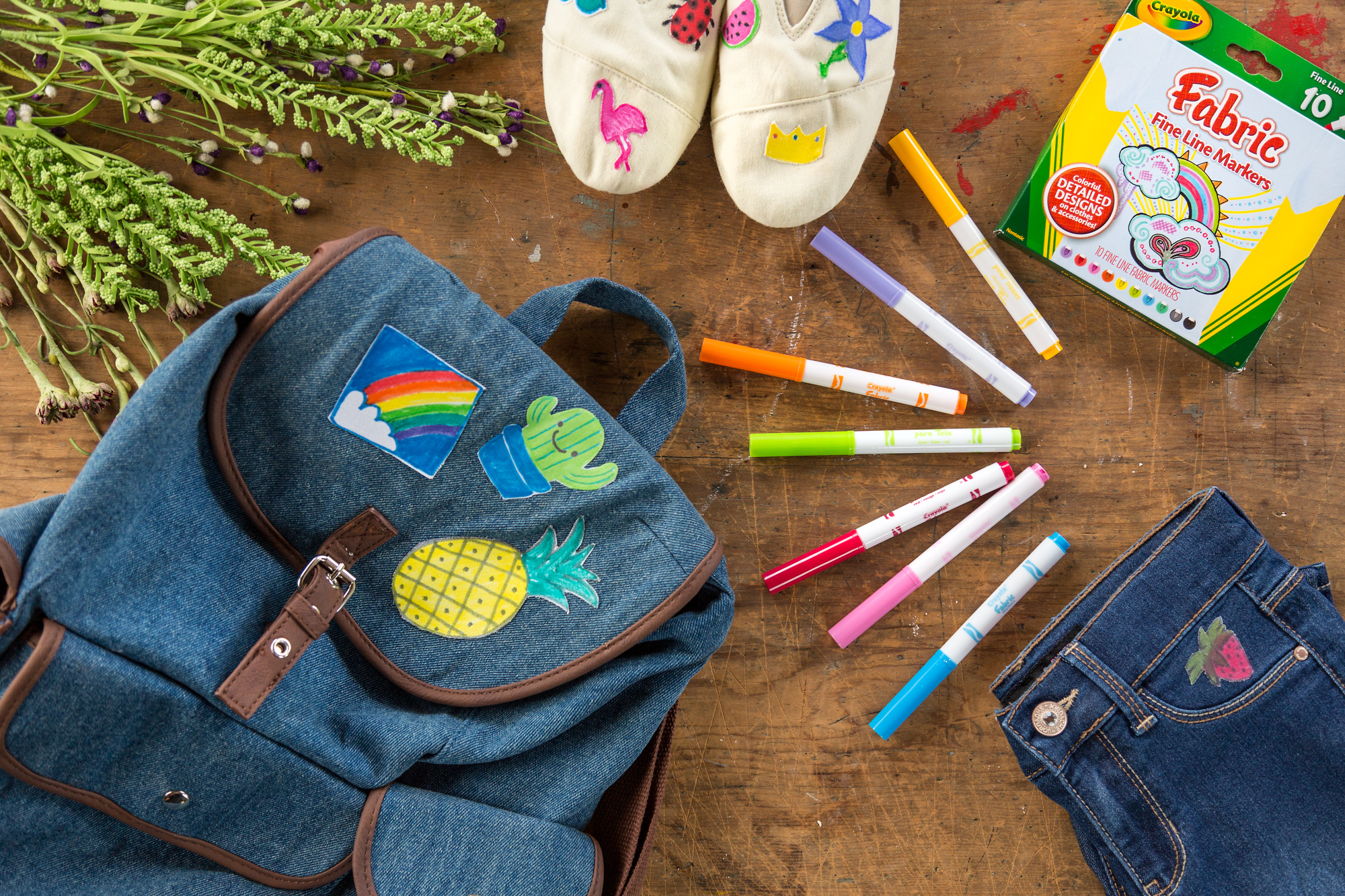 9d768cbb43e7 Picking Patch  Jean Jacket Customization with Crayola X Levis