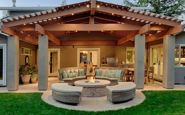 summer outdoor home staging