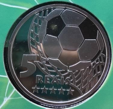 Coin P737 Moeda Brasil 5 Reais 2002 Pentacampeonato Mundial de Futebol (5th World Cup Championship) Brazil reverse