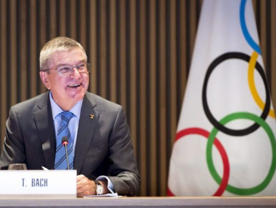 Bach dice que Tokio 2020 puede ser el festival de regreso del deporte