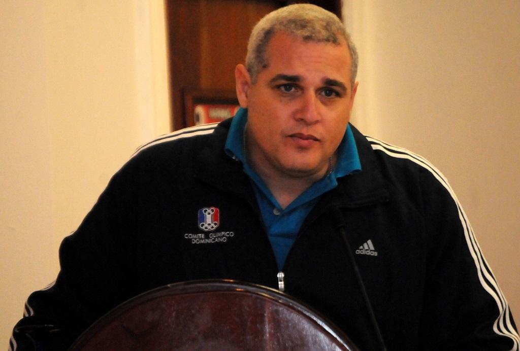 Jurista presenta proyecto Reglamento Disciplinario