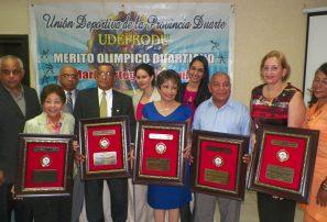 Reconocen a glorias deportivas con el mérito Duartiano