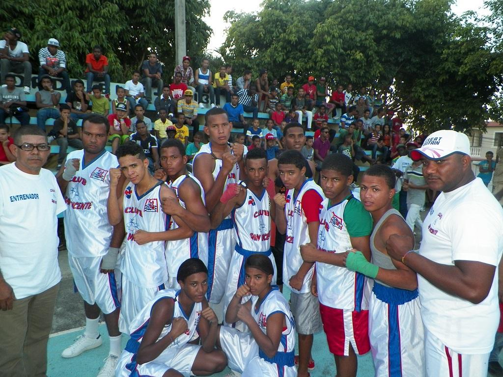 Club San Vicente triunfa en boxeo
