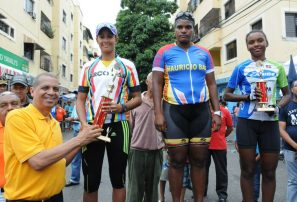 Paulino y Mejía ganan ciclismo club Mauricio Báez