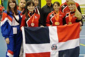 Dimitrova logra oro en campeonato karate Canadá